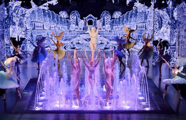 Lido de Paris - Dîner-spectacle «Paris Merveilles»