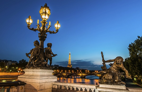 Paris illuminations tour paris tourist office - Office de tourisme italie paris ...